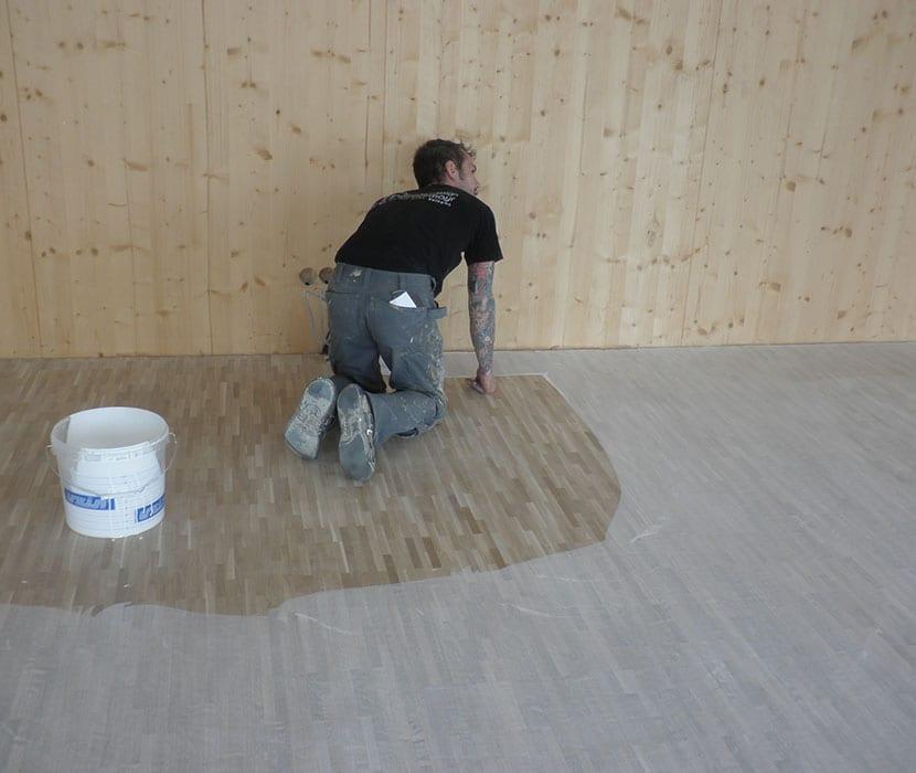Holzboden-Arbeit
